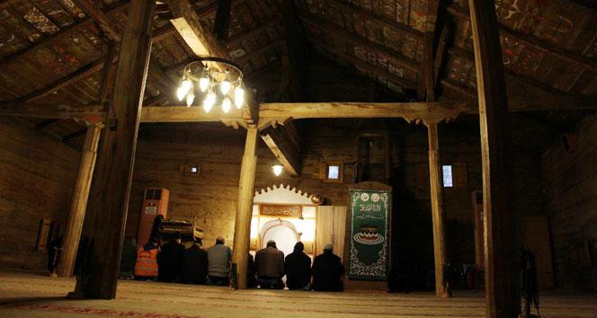 Çivisiz Camii 8 asırdır ayakta