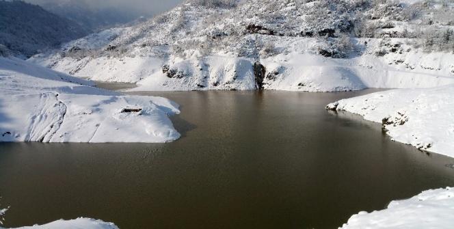 Yuvacık Barajının havadan görüntüsü büyüledi