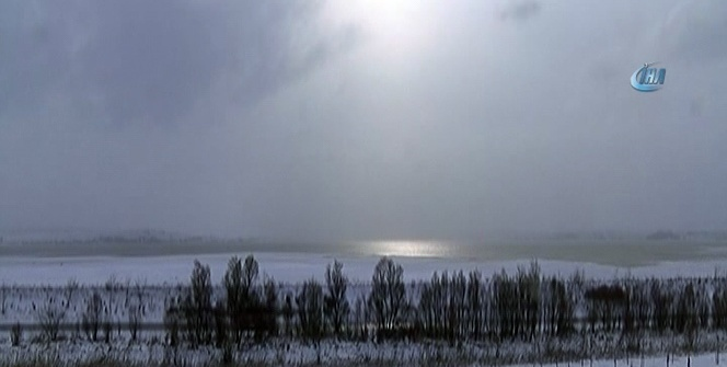Büyükçekmece gölü dondu