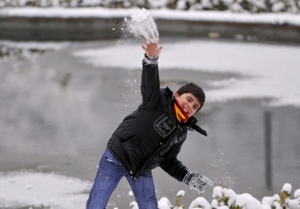 Bursa'da kartpostallık kar manzaraları