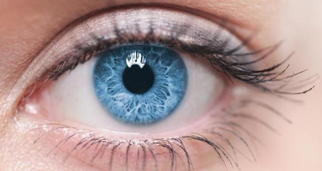 Renkli gözlüler dikkat
