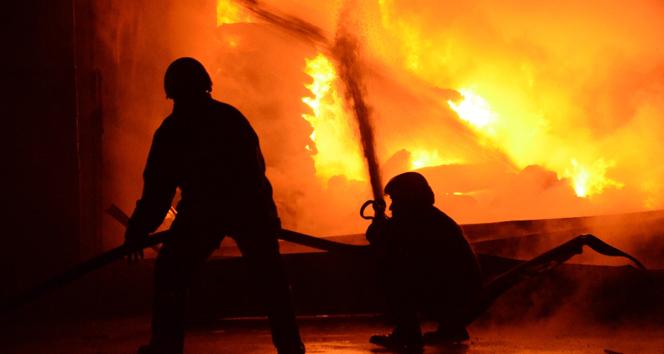 Çinde 2 katlı binada yangın: 22 ölü