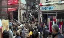 Fatihte 3 katlı metruk bina çöktü