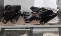Kullanılmayan tekstil ofisinde 5 tabanca bulundu