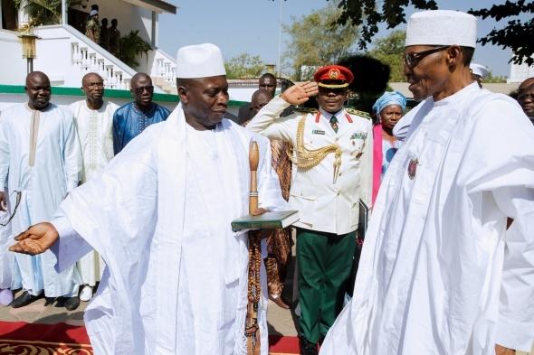 Senegal askeri Gambiya'da