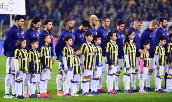 Fenerbahçe rütbe söktü