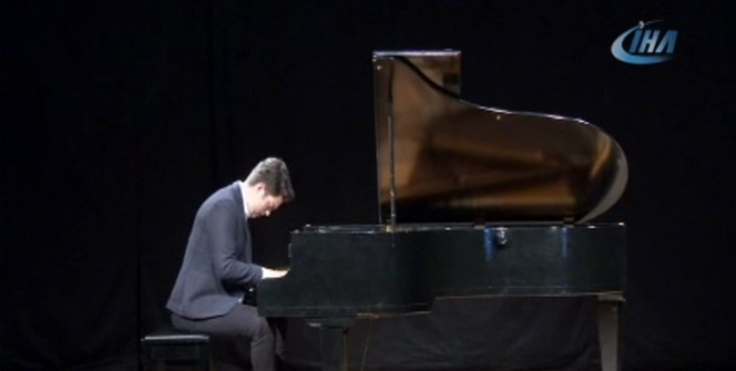 Kartallı genç piyano sanatçısından konser