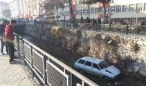 Tokat'ta otomobil dereye uçtu: 1 yaralı