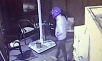 Motosiklet kasklı hırsızlar kamerada