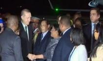 Cumhurbaşkanı Erdoğan havalimanında karşılandı