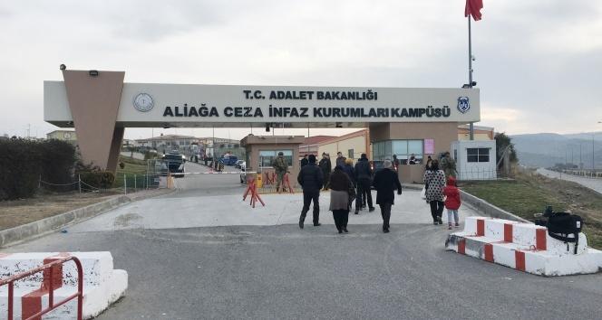 İzmirde 270 sanıklı ilk FETÖ davası başladı