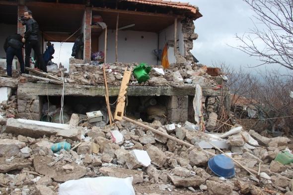 Çanakkale'de deprem 5 köyde hasara neden oldu