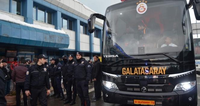 Galatasaray kafilesi Rizeye hareket etti