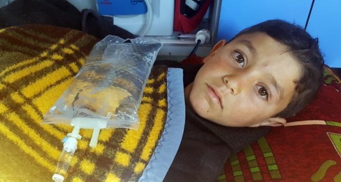 Suriyede bacakları kopan çocuğa İHH sahip çıktı