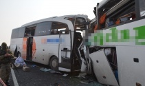 Iğdırda iki otobüs kafa kafaya çarpıştı: 7 ölü, 16 yaralı