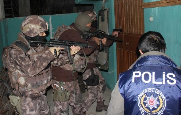 Sahte polis, savcı ve jandarmalara dev operasyon