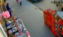 Batmanda market önünde ceviz hırsızlığı