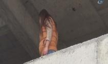 Sevgilisiyle kavga etti, inşaata çıkıp intihara kalkıştı