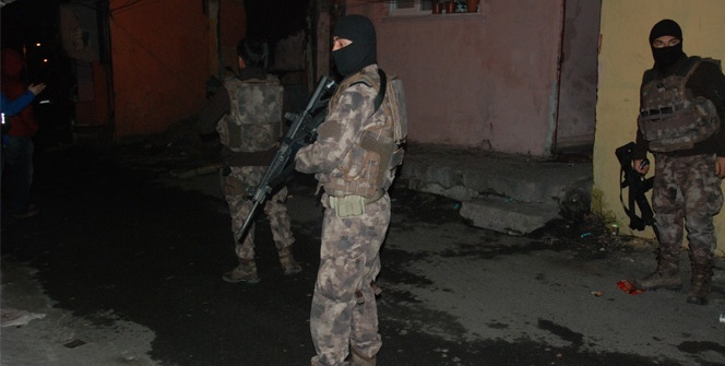 İstanbul'da zehir tacirlerine şafak operasyonu