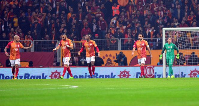 Galatasaray, Şubatta buz tuttu