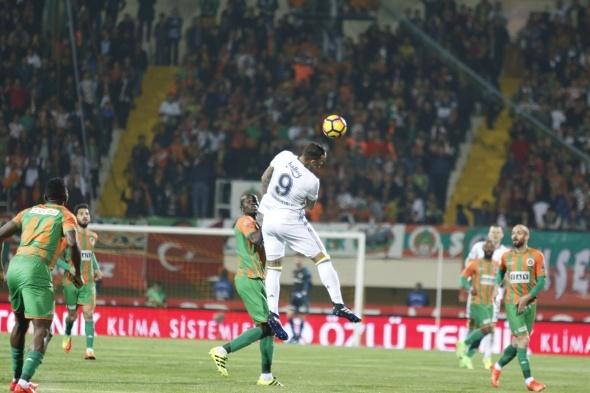 Alanyaspor Fenerbahçe maçı özel kareler