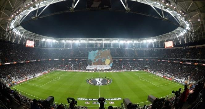 Vodafone Arenada ilk koreografi| Olympiakos maçında kareografi şov!