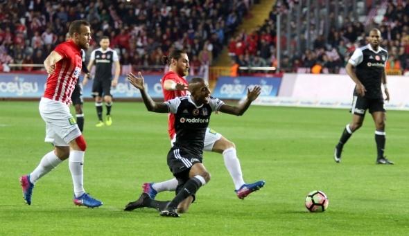 Beşiktaş'a Antalya darbesi! Puanlar paylaşıldı