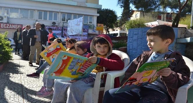 """Kozan'da """"Kitabını da Al Gel, Yazarlar Ölür Kitaplar Kalır"""" projesi"""