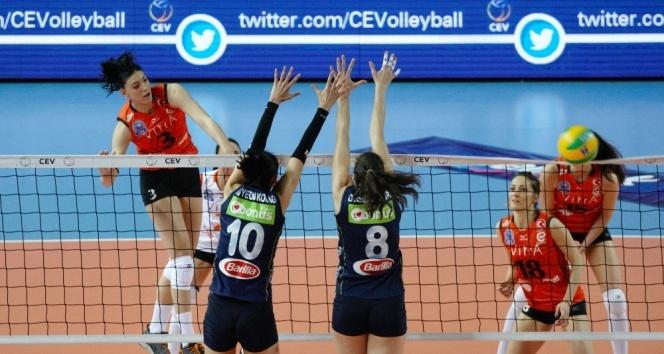 CEV Şampiyonlar Ligi: Eczacıbaşı VitrA: 2 - Fenerbahçe: 3