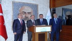 Sağlık Bakanı Akdağ, Burdur Valiliğini ziyaret etti