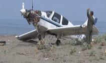 Samsunda eğitim uçağı piste inerken düştü