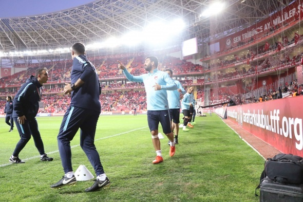 Türkiye Finlandiya maçından özel kareler