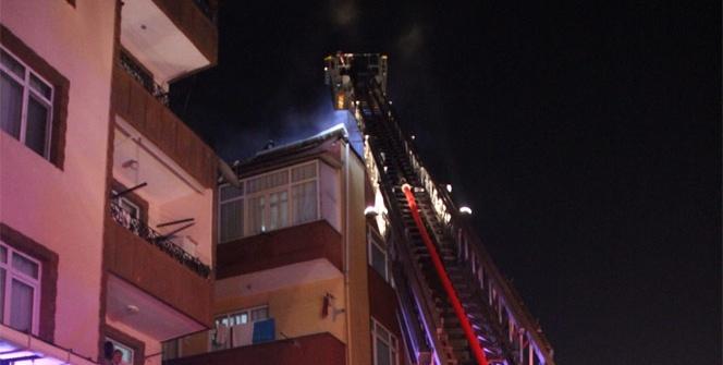 Güngören'de 5 katlı bir binanın çatısı yandı