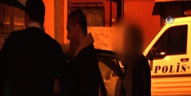 Alkollü sürücü kız arkadaşını araçta bırakıp kaçtı