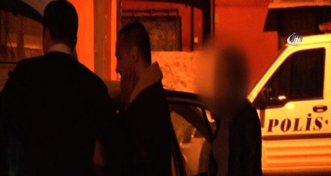 Alkollü sürücü kız arkadaşını araçta bırakıp kaçtı | Adana haberleri
