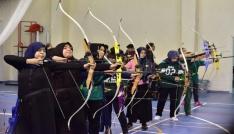 Osmaniyede okullar arası okçuluk yarışmaları düzenlendi