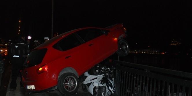 Unkapanı Köprüsü'nde 2 trafik kazası