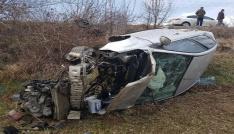 Çankırıda otomobil tarlaya uçtu: Aynı aileden 6 kişi yaralandı