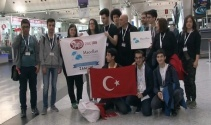 Liseli öğrenciler kendi yaptıkları robot ile ABDde yarışacak