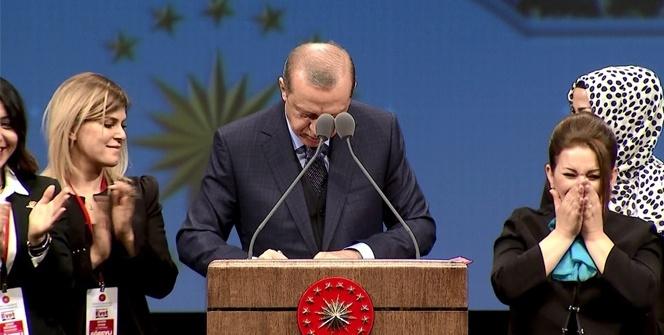 Erdoğan müjdeyi verdi, imzayı kürsüde attı