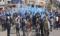 Kerkükte Türkmenlerden bayrak protestosu
