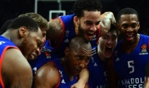 Turkish Airlines Euroleague: Anadolu Efes: 77 - Oympiakos: 69