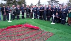 CHP Genel Başkanı Kılıçdaroğlu Demirelin mezarında
