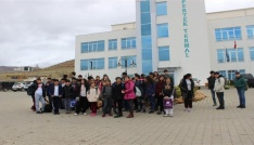 Tunceli Belediyesinden başarılı öğrencilere termal gezisi