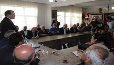 """CHPli Hakkı Süha Okay: """"Demokrasi için meydanlardayız"""""""