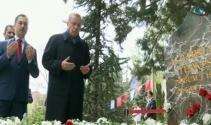 Erdoğan'dan Türkeş'in mezarına sürpriz ziyaret
