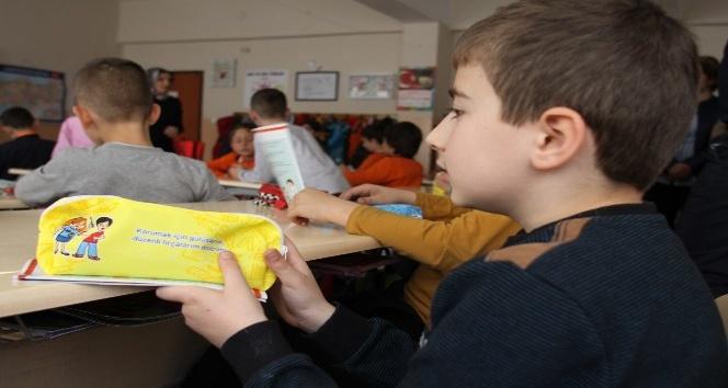 İlköğretim Öğrencileri Ağız ve Diş Sağlığı ile İlgili Bilgilendirildiler