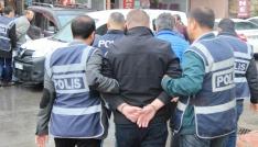 Şehit yakınlarına ev alma bahanesiyle para toplayan dolandırıcılar yakalandı
