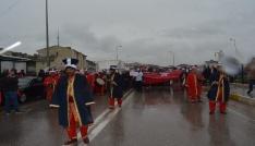 """Sinopta yağmur altında """"evet""""  yürüyüşü"""