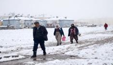 Tuncelinin Ovacık ilçesinde kar sürprizi